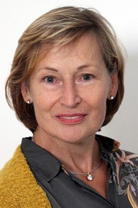 Portraifoto Heilpraktikerin Andela Canzler-Hiegemann - Psychotherapie Mülheim an der Ruhr